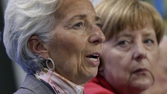 Μέρκελ - Λαγκάρντ συζητούν για το ελληνικό χρέος , με το κλίμα να είναι βαρύ στο Βερολίνο