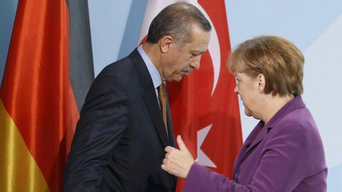 Η Μέρκελ προετοιμάζει συνάντησηΜητσοτάκη - Ερντογάν