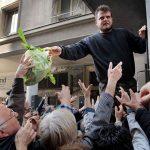 Ανησυχητικές οι κοινωνικές επιδόσεις στην Ελλάδα: Στο 34,8% η φτώχια – Παραμένει υψηλή η αδήλωτη εργασία
