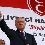 O κυβερνητικός εταίρος του Ερντογάν απειλεί να ρίξει τους Έλληνες ξανά στη θάλασσα!