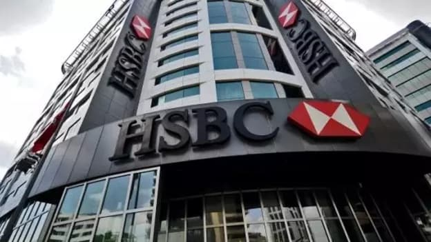 HSBC: Ο τουρισμός αναμένεται να δώσει φέτος ώθηση στο ΑΕΠ