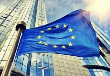 Εμβόλια: μέσα από μία πολύπλευρη σύγκρουση η Ευρώπη πυροβολεί τα πόδια της