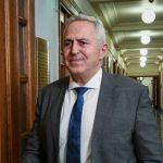 Δε θα είναι υποψήφιος στις εκλογές ο Ευάγγελος Αποστολάκης