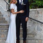 Βασίλης Κικίλιας και Τζένη Μπαλατσινού ένωσαν τις ζωές τους στο εκκλησάκι του Λυκαβηττού (video)