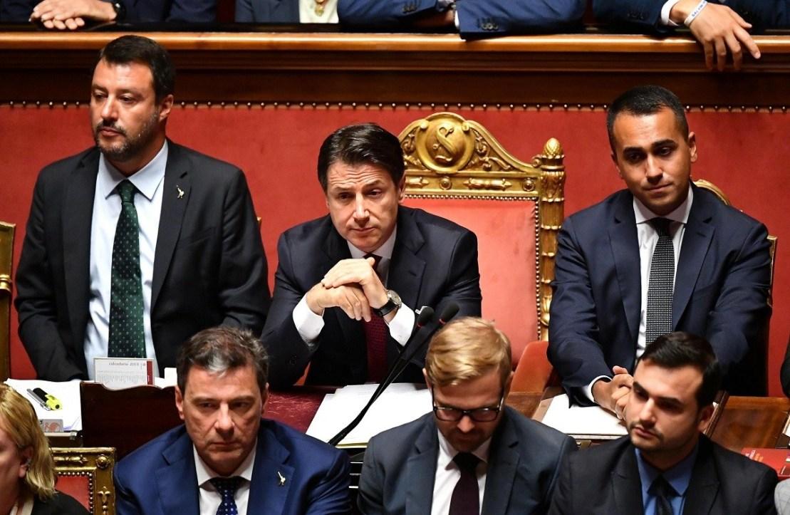 Το Politico αναλύει τέσσερα διαφορετικά σενάρια για την εξέλιξη της πολιτικής κρίσης στην Ιταλία