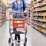 Για πρώτη φορά μετά από πολλά χρόνια οι καταναλωτές αλλάζουν τρόπο επιλογής προϊόντων
