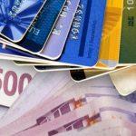 Αύξηση στο κατώτατο όριο ηλεκτρονικών συναλλαγών εξετάζει του υπουργείο Οικονομικών για την πάταξη της φοροδιαφυγής