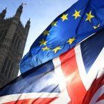 Tα κύρια σημεία της συμφωνίας για το Brexit παρουσίασε ο Μπαρνιέ