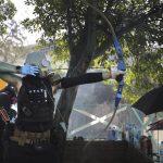 Έτοιμη να επιτεθεί με πραγματικά πυρά εναντίων των διαδηλωτών δηλώνει η αστυνομία του Χονγκ Κονγκ (video)