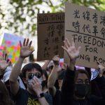 Συνεχίζεται η κατάληψη του Πολυτεχνείου του Χονγκ Κονγκ από διαδηλωτές - Απειλεί η αστυνομία με πραγματικά πυρά