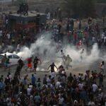 Χάος στη Βηρυτό – Αντικυβερνητικές εκδηλώσεις και εισβολή διαδηλωτών σε υπουργεία. Ένας νεκρός και 200 τραυματίες