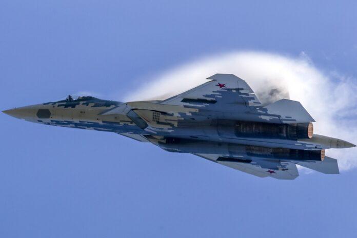 Το stealth μαχητικό αεροσκάφος πολλαπλών ρόλων πέμπτης γενιάς Su-57