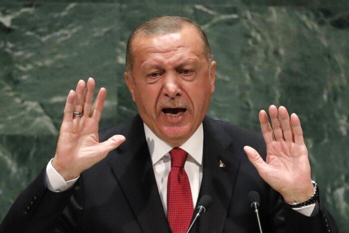 Ξαφνική πρόσκληση Ερντογάν σε Δένδια για τετ α τετ συνάντηση