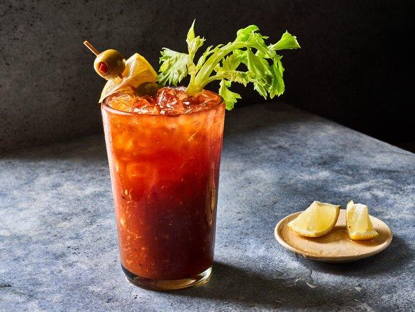 Το cocktail Bloody Mary έχει πολλούς «μύθους» να το συνοδεύουν.