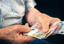 Την Τετάρτη η εμβόλιμη πληρωμή αναδρομικών σε συνταξιούχους