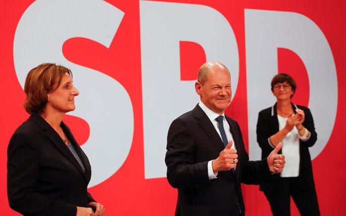 Ωρα 21.10 : Προβάδισμα στο SPD (26,0% - 24,5%) δίνουν οι κάλπες
